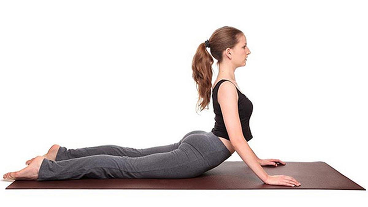 4 động tác yoga siêu… tiêu mỡ
