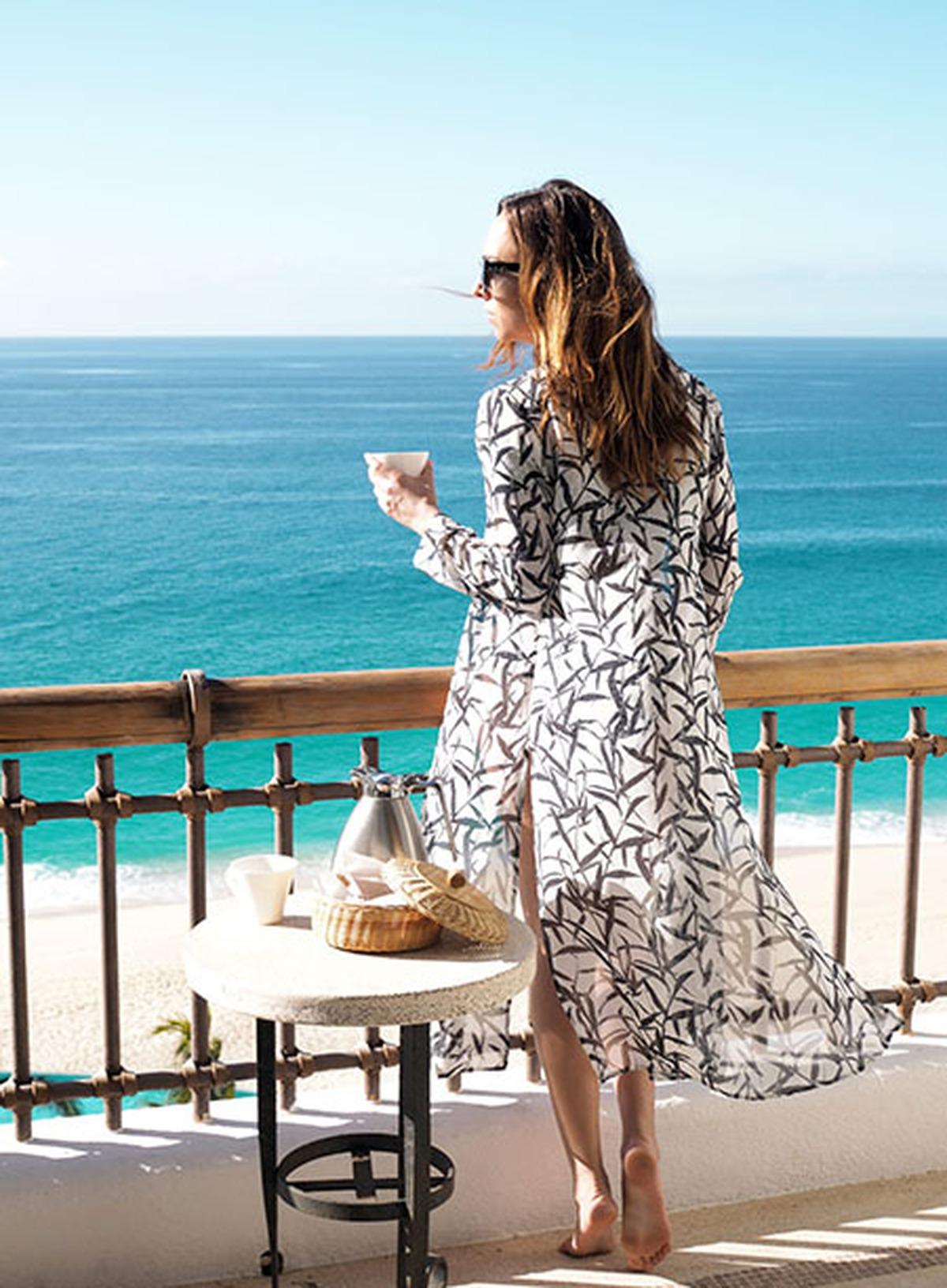 Chất lừ mùa du lịch biển với áo khoác kimono