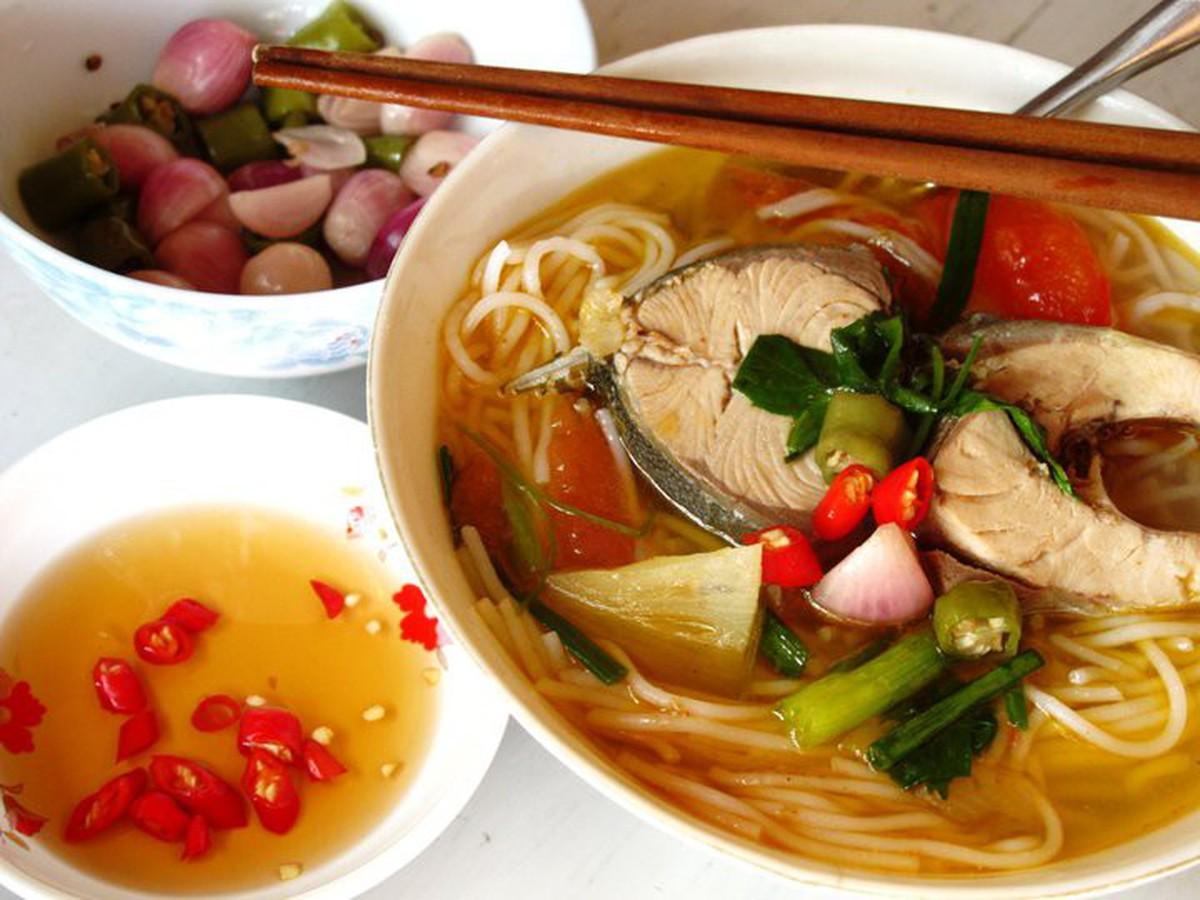Bún cá ngừ um – đậm đà hương vị xứ Quảng