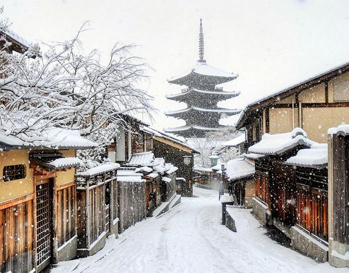 Kyoto mùa đông: cảnh đẹp cố đô chìm trong tuyết trắng