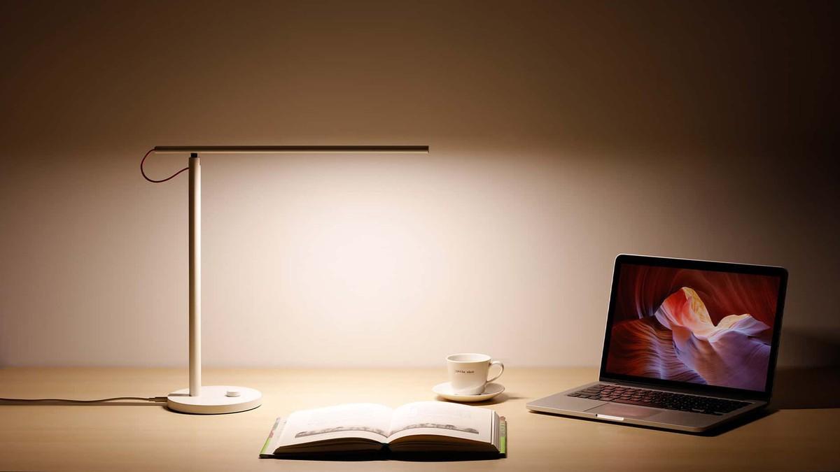 Chọn mua đèn bàn chống cận thị cho con