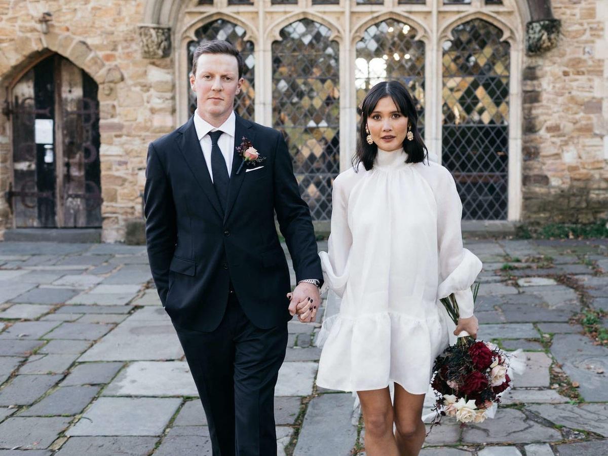 Hành trình chọn váy cưới của một cô dâu người Úc