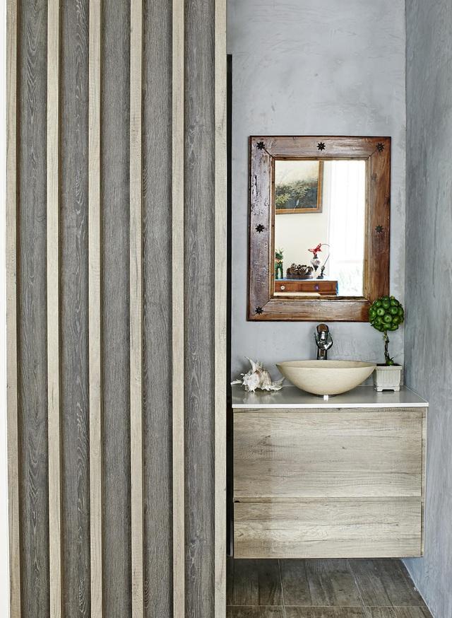 Căn hộ kết hợp giữa gỗ mộc và đồ nội thất sắc màu - Ảnh 4.