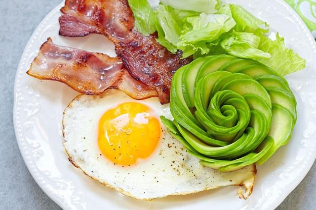 Những lưu ý khi bạn giảm cân bằng chế độ ăn keto - Ảnh 1.