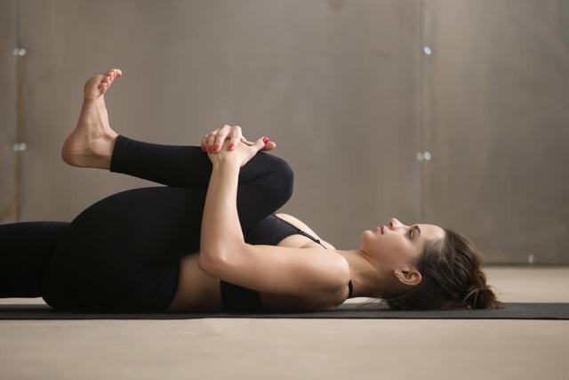 Kéo giãn cơ 5 phút mỗi buổi sáng, đẩy lùi nguy cơ đột quỵ - Ảnh 2.