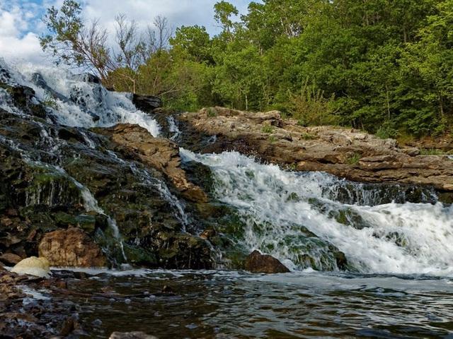 Những hồ nước đẹp mê hồn tại mỗi tiểu bang Hoa Kỳ - Ảnh 15.