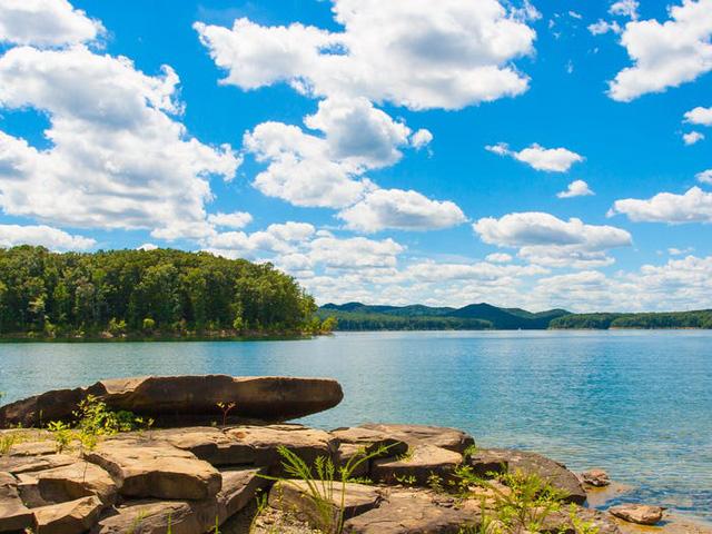 Những hồ nước đẹp mê hồn tại mỗi tiểu bang Hoa Kỳ - Ảnh 17.