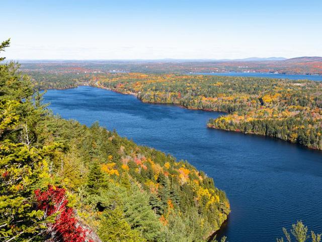Những hồ nước đẹp mê hồn tại mỗi tiểu bang Hoa Kỳ - Ảnh 19.