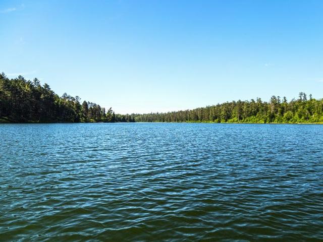 Những hồ nước đẹp mê hồn tại mỗi tiểu bang Hoa Kỳ - Ảnh 23.
