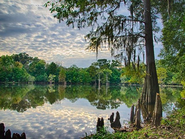 Những hồ nước đẹp mê hồn tại mỗi tiểu bang Hoa Kỳ - Ảnh 24.