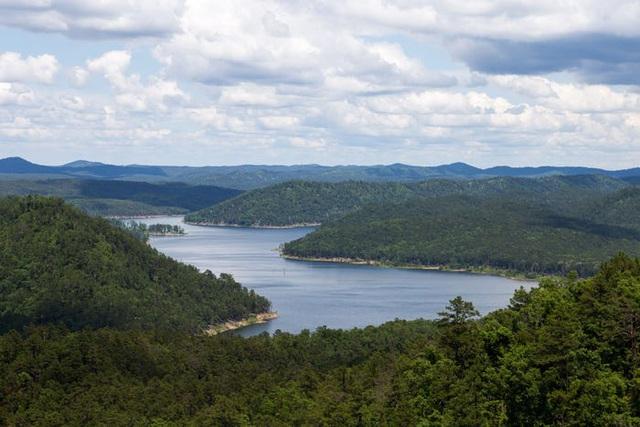 Những hồ nước đẹp mê hồn tại mỗi tiểu bang Hoa Kỳ - Ảnh 36.