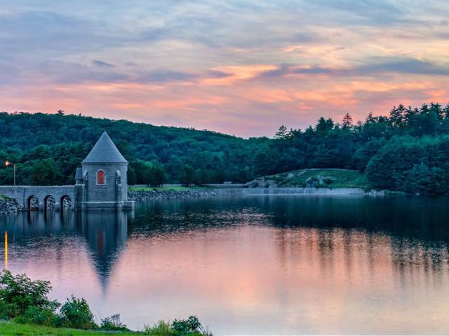Những hồ nước đẹp mê hồn tại mỗi tiểu bang Hoa Kỳ - Ảnh 7.