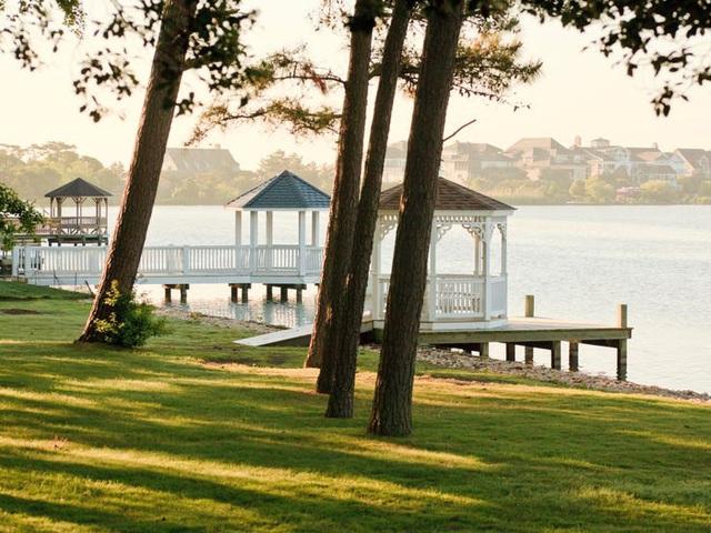 Những hồ nước đẹp mê hồn tại mỗi tiểu bang Hoa Kỳ - Ảnh 8.