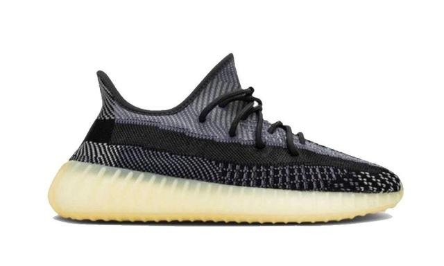 10 đôi giày sneakers bán chạy nhất năm 2020 - Ảnh 4.