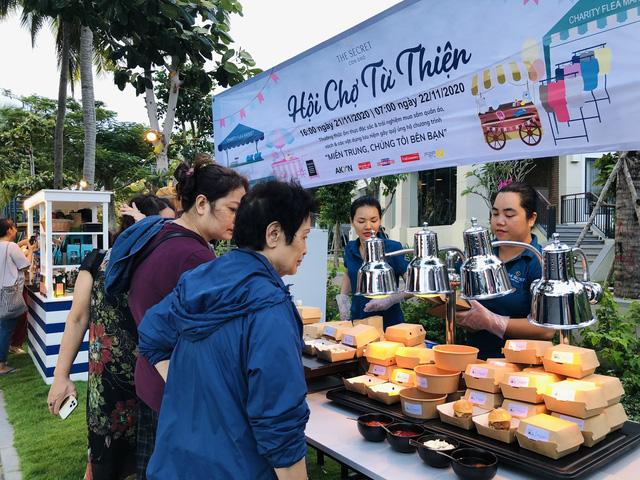 Hội chợ từ thiện gây quỹ ủng hộ miền Trung tại The Secret Côn Đảo - Ảnh 1.