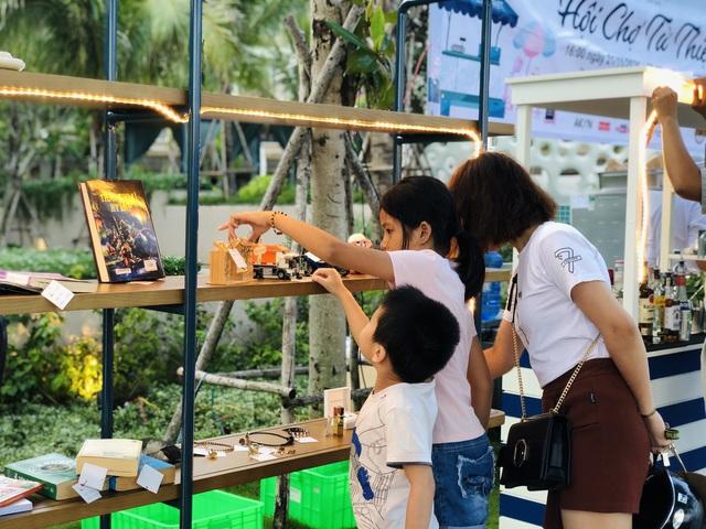 Hội chợ từ thiện gây quỹ ủng hộ miền Trung tại The Secret Côn Đảo - Ảnh 2.