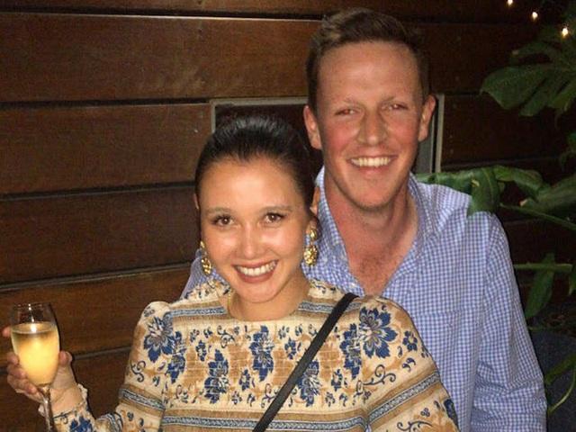 Hành trình chọn váy cưới của một cô dâu người Úc - Ảnh 1.