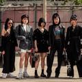 Thượng Hải Fashion Week 2020: áo blazer ngoại cỡ tràn ngập đường phố
