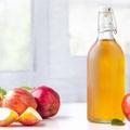 Cách sử dụng giấm táo điều trị mụn trứng cá
