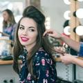 Tạo kiểu cho mái tóc lễ hội: chọn sản phẩm nào?