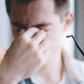 Hút thuốc lá ảnh hưởng nghiêm trọng tới thị lực