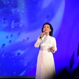 """Khánh Ly trở lại với liveshow """"Cúi xuống thật gần"""""""