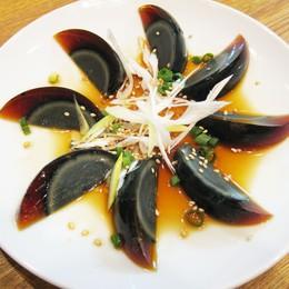 """Trứng bắc thảo: món ăn """"độc và lạ"""" của châu Á"""