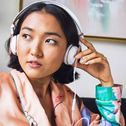 Những bài hát, nhạc sĩ và podcast nào được nghe nhiều nhất thập kỉ qua?