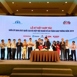 Ký kết hợp tác giữa Ủy ban An toàn giao thông quốc gia và VAMM