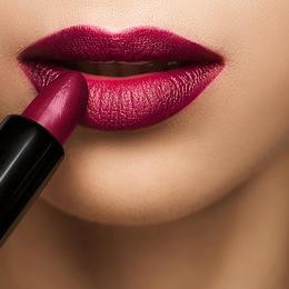 8 mẹo sử dụng son để chỉnh sửa dáng môi