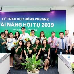 VPBank trao 160 suất học bổng cho các bạn sinh viên xuất sắc