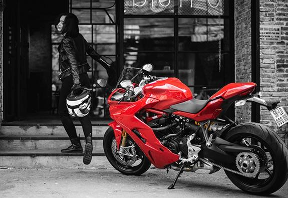 Ducati chính thức ra mắt Supersport và SupersportS tại Việt Nam