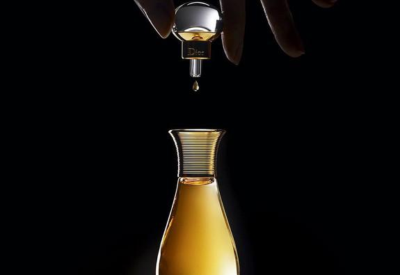 J'adore L'Or Dior Essence de Parfum - Tinh chất từ 10.000 cánh hoa tươi đắt tiền nhất thế giới