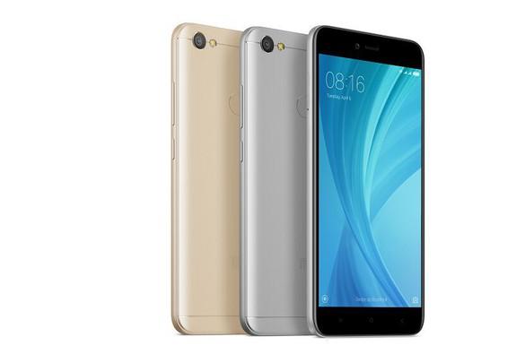 Xiaomi trình làng smartphone thiết kế tràn màn hình và smartphone đèn LED selfie đầu tiên