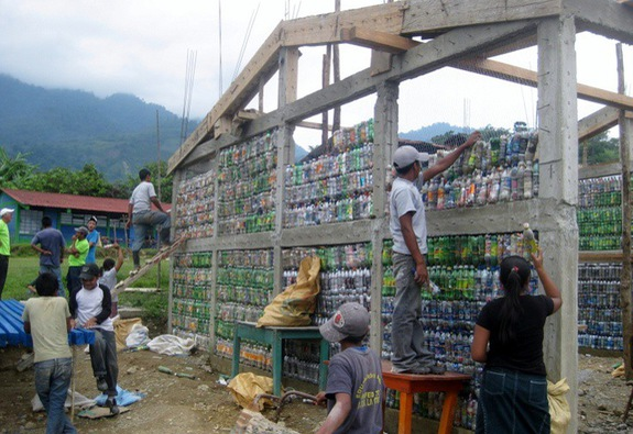 Ecobrick – một giải pháp sinh thái đáng tham khảo
