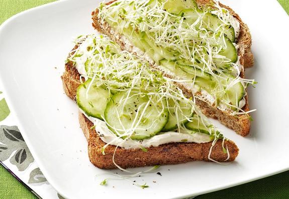 Nhanh gọn món sandwich đủ chất cho bữa sáng