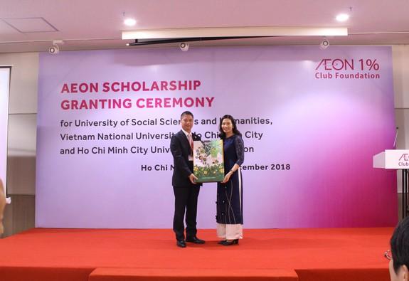 Aeon trao học bổng cho sinh viên Việt Nam