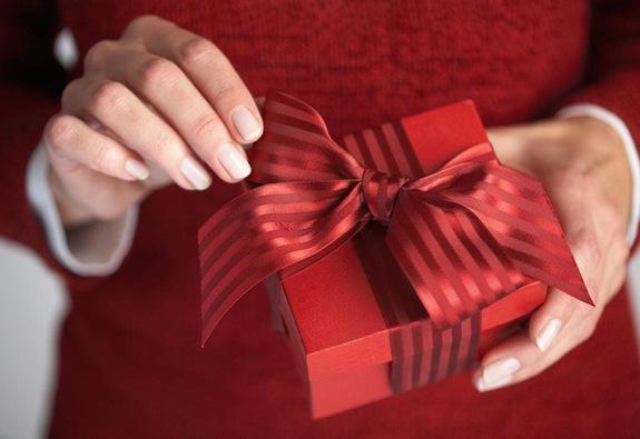 5 món quà Giáng sinh chắc chắn khiến cô ấy hài lòng