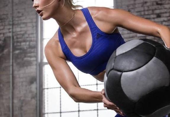 Adidas ra mắt dòng sản phẩm thể thao mới