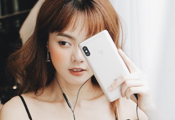 Cháy hàng 1.000 suất đầu tiên đặt mua Xiaomi Redmi Note 5, FPT mở thêm 3.000 suất quà tặng