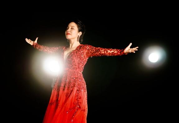 Bài ca tự do - MV đầu tiên theo phong cách Urban dance của Mỹ Linh