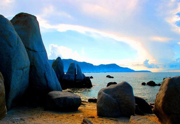 Một vùng biển thẳm xanh: Cà Ná