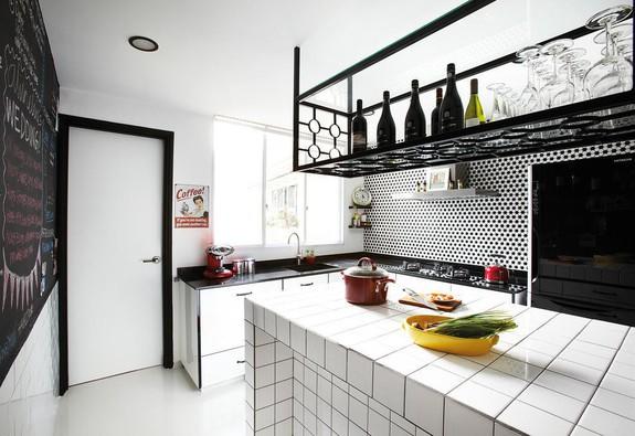 7 kệ treo độc đáo cho căn bếp mở