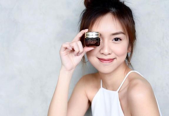 Kem dưỡng mắt đặc biệt giúp chống ánh sáng xanh