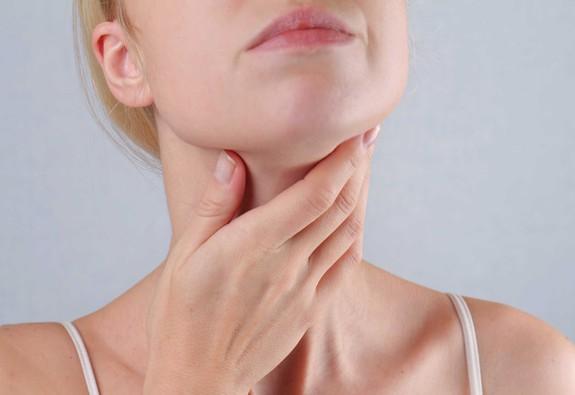 Cách phát hiện và phòng tránh ung thư tuyến giáp