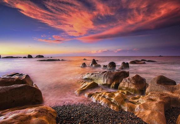 """Đến biển Cổ Thạch để ngắm """"mê trận"""" đá"""
