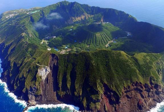 Aogashima: hòn đảo núi lửa