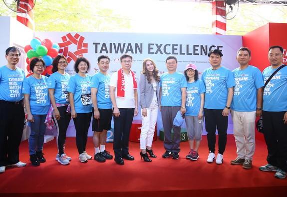 """TAIWAN EXCELLENCE  """"MƠ GIẤC MƠ LỚN"""" TRỞ THÀNH GIẢI CHẠY HẤP DẪN NHẤT ĐÔNG NAM Á"""