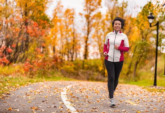 Phụ nữ bước qua tuổi 50: 5 lưu ý sức khỏe cần ghi nhớ