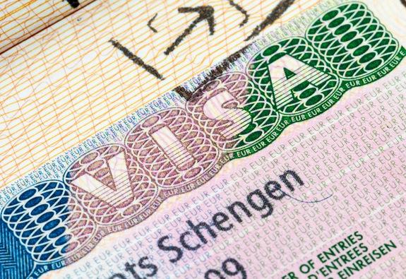 Tin đồn về thủ tục cấp visa khối Schengen là không chính xác